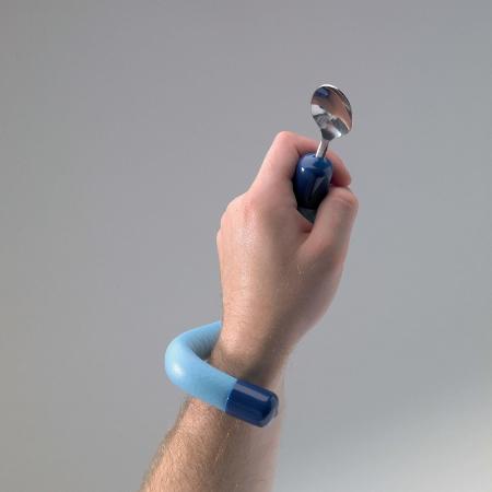 Couverts pédiatriques avec manche flexible
