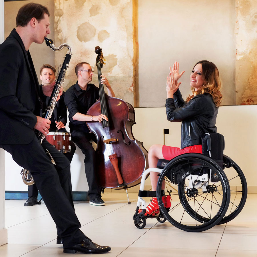 Fauteuil roulant manuel l ger quickie xenon 2 fauteuil - Chaise roulante electrique prix ...