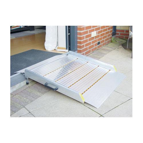 rampe passage de marche fauteuil roulant sofamed. Black Bedroom Furniture Sets. Home Design Ideas