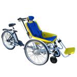 Vélo pousseur Rollfiets personne handicapée